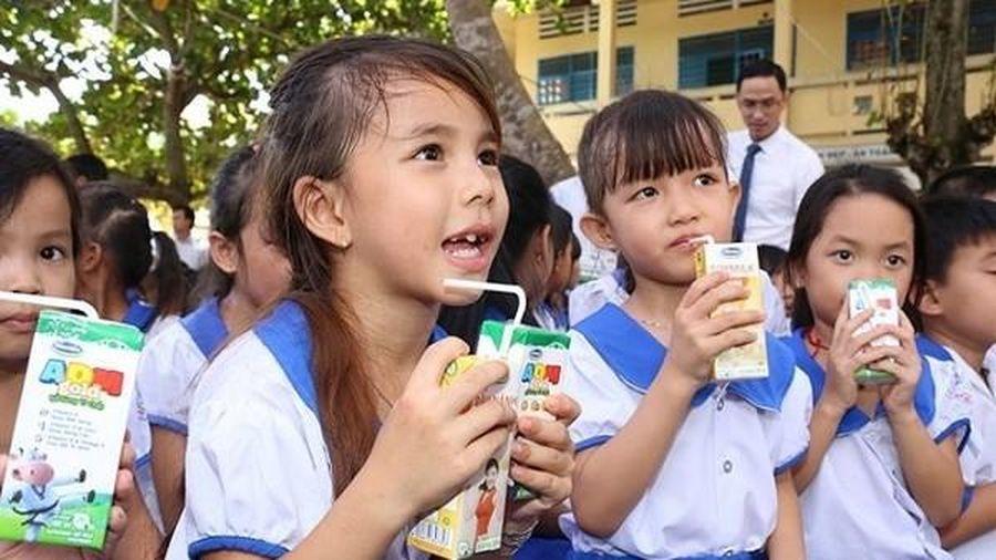 Bộ Y tế lên tiếng về quy định 21 vi chất trong sữa tươi học đường
