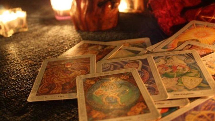 Thú vui xem Tarot của dân công sở và nguồn gốc thực sự của bài Tarot
