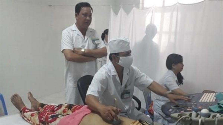 Cà Mau: Nhiều bác sĩ bỏ bệnh viện công