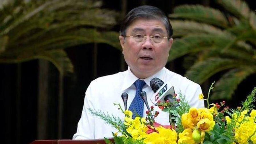 Chủ tịch TP.HCM than Thành phố không được hưởng tương ứng từ tiền thu ngân sách