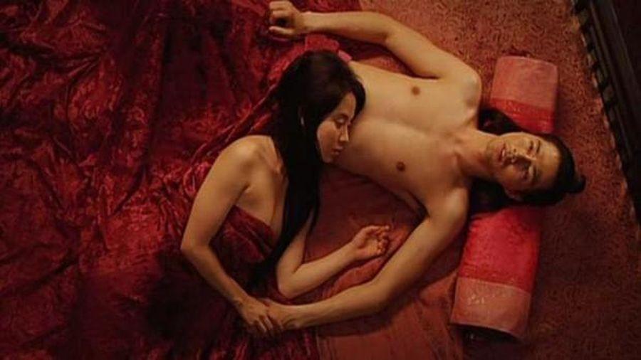 Loạt cảnh nóng chưa từng hết sốc ở phim xứ Hàn: 'Mợ ngố' Song Ji Hyo quay cảnh nhạy cảm tận 40 lần?