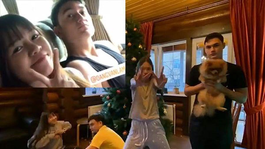 Không phải đoán nữa, hé lộ ảnh Văn Lâm đưa bạn gái về ra mắt, đại gia đình cùng trang trí đón Noel