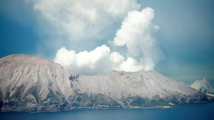 New Zealand: Núi lửa White Island phun trào, một người bị thương nặng