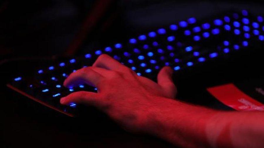 Tranh cãi liên quan tới lệnh cấm áp thuế các giao dịch điện tử