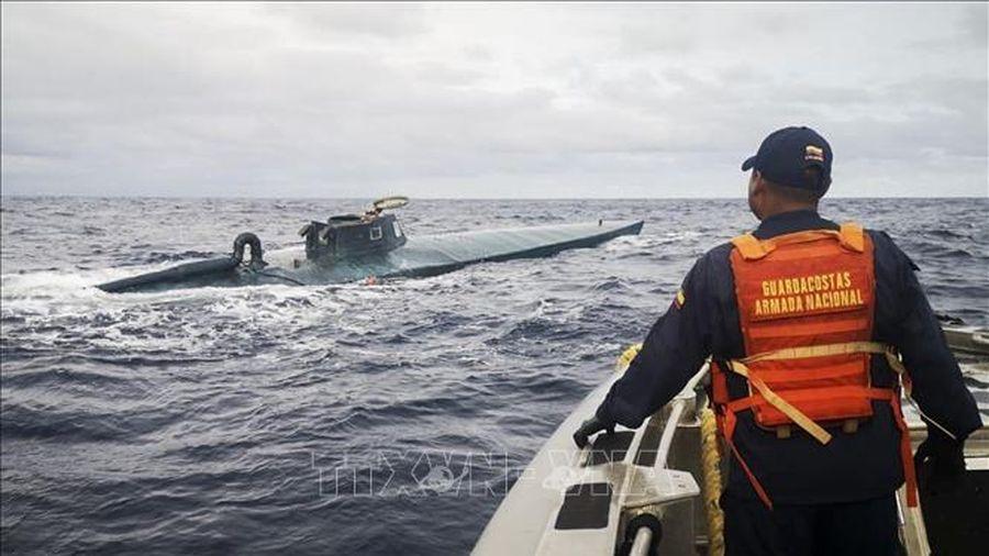 Peru bắt giữ tàu ngầm chở 2 tấn ma túy