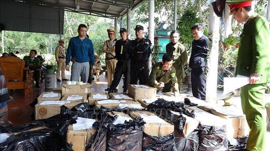 Thưởng 'nóng' 30 triệu đồng cho vụ phá án thu giữ hơn 900 kg pháo
