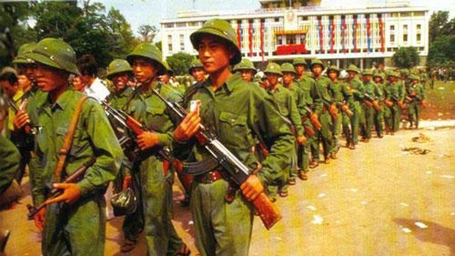 Điểm lại loạt vũ khí đã trở thành biểu tượng của người lính bộ đội Cụ Hồ