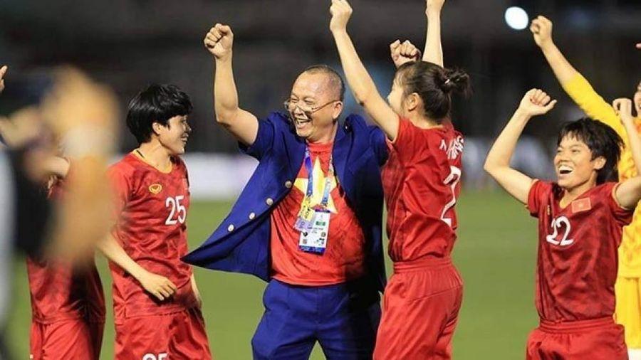 Đại gia móc túi thưởng 3 tỷ đồng cho tuyển nữ Việt Nam là ai?