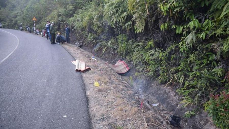 Cán bộ Ban quản lý rừng phòng hộ Phi Liêng tử vong bên đường nghi do tai nạn giao thông