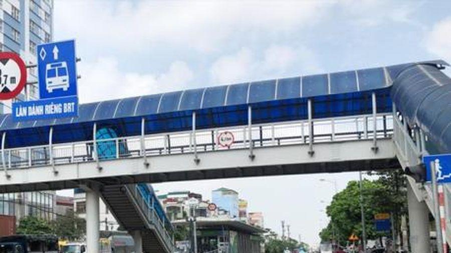 Hà Nội xây 10 cầu vượt cho người đi bộ