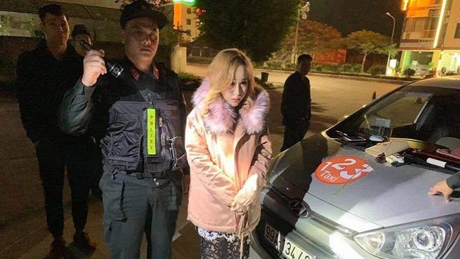 Hotgirl Quảng Ninh bị bắt vì mang theo ma túy lên taxi đi chơi
