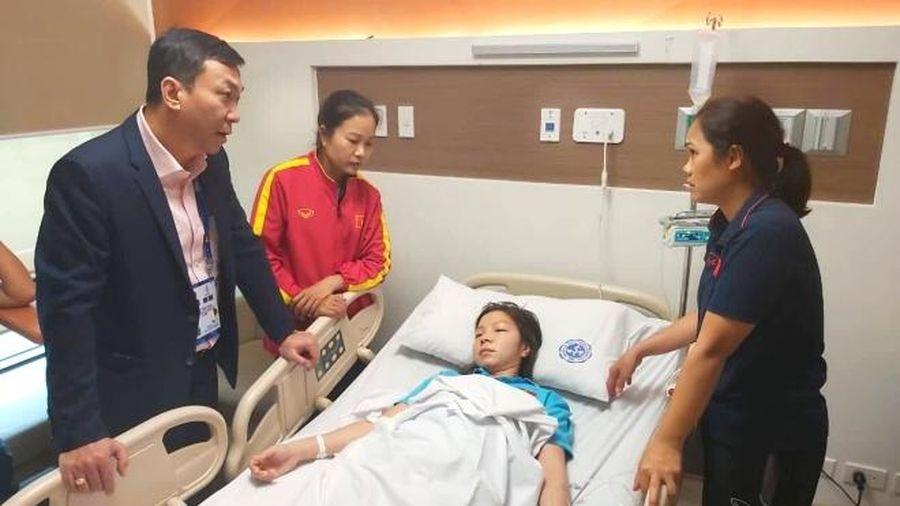 Cầu thủ nữ Việt Nam phải cấp cứu vì kiệt sức sau chiến thắng Thái Lan
