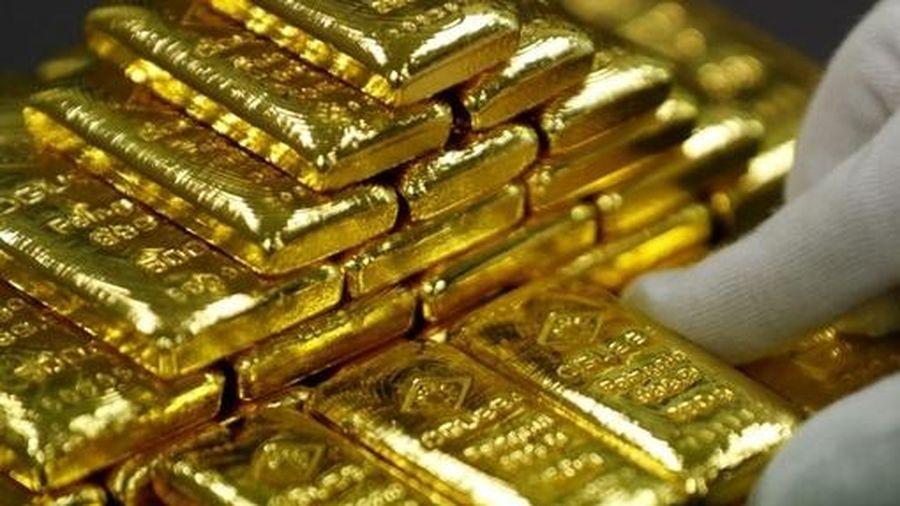 Giá vàng hôm nay 9/12: Vàng tiếp tục giảm do chịu áp lực từ USD