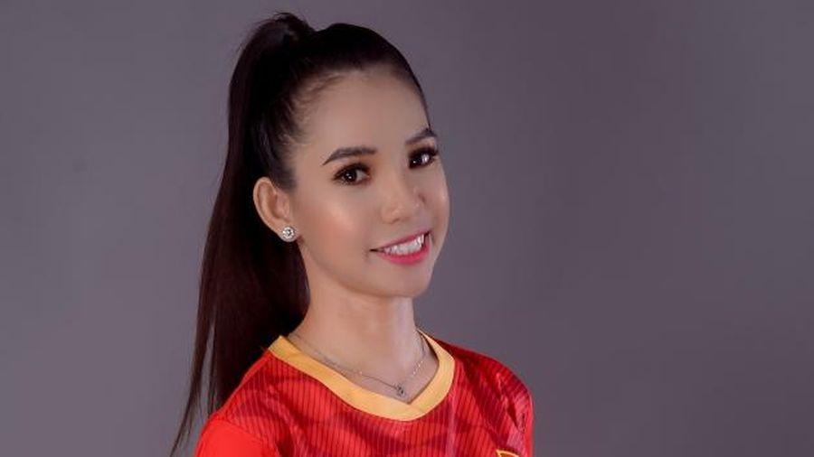 Hoa hậu Huỳnh Trâm tung bộ ảnh thể thao cổ vũ ĐT Việt Nam trước thềm chung kết