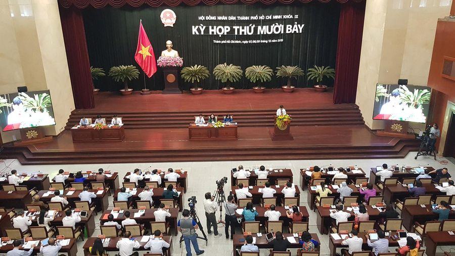 Ô nhiễm môi trường, chậm cấp sổ đỏ làm 'nóng' kỳ họp HĐND TP. Hồ Chí Minh