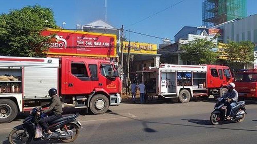 Bình Phước: Cháy nhà nghỉ, nghi khách thuê phòng đốt