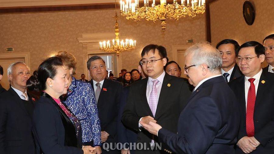Chủ tịch Quốc hội Nguyễn Thị Kim Ngân thăm trường Đại học Tổng hợp kazan
