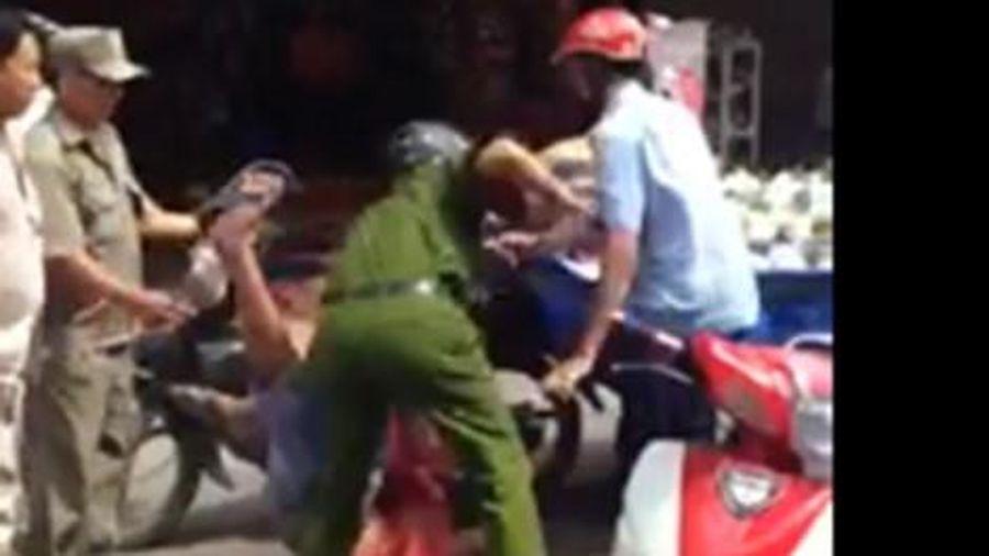 Thiếu tá công an Đồng Nai bị đình chỉ vì nhắn tin trêu chọc vợ đồng đội