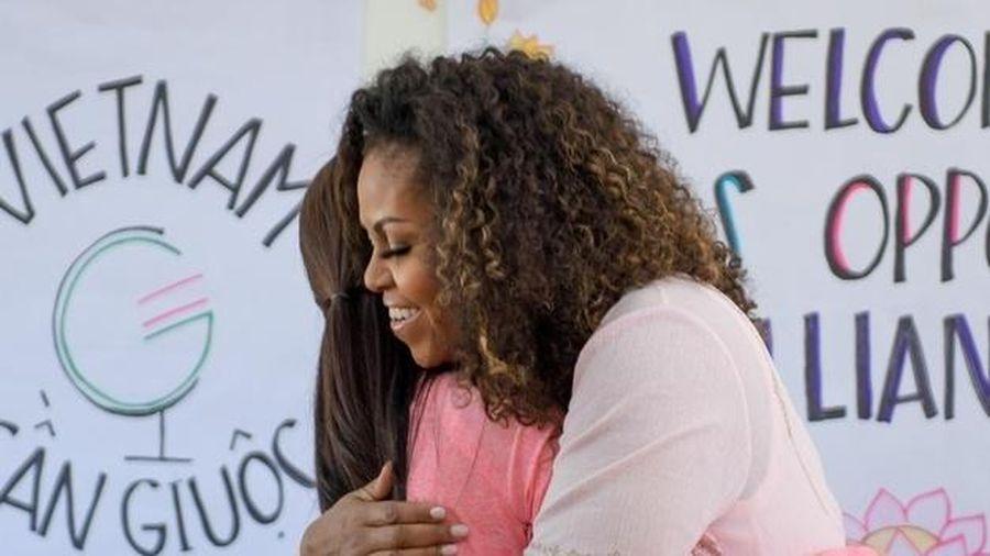 Bà Michelle Obama thăm trường THPT Cần Giuộc, Long An