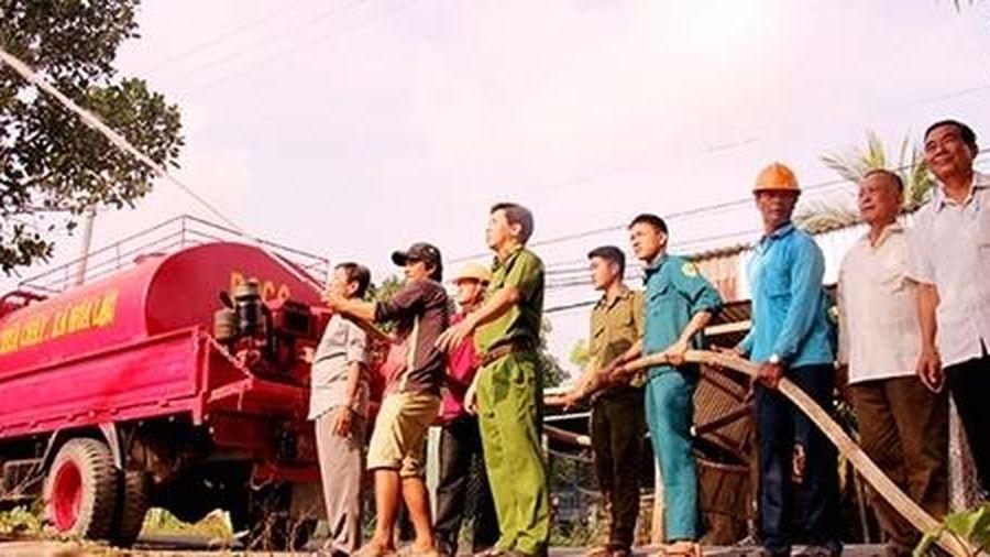 'Đội chữa cháy nông dân' tại cù lao Phú Tân