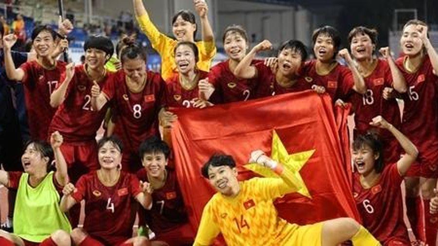 Lập kỳ tích, tuyển nữ Việt Nam nhận mưa tiền thưởng