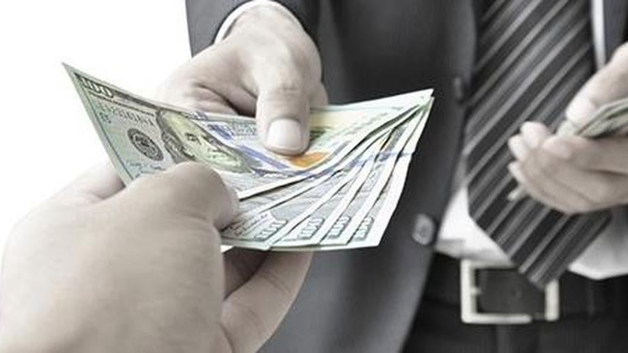 Truy tố nguyên cán bộ tư pháp nhận tiền 'chạy án'