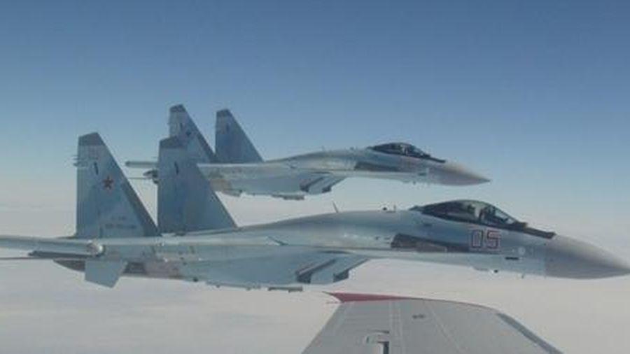 Nga điều Su-35S xua đuổi máy bay Israel định không kích Syria
