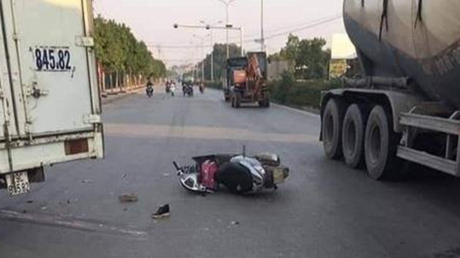 Mẹ tử vong, con gái 7 tuổi cấp cứu sau tai nạn với xe tải trên quộc lộ 21A
