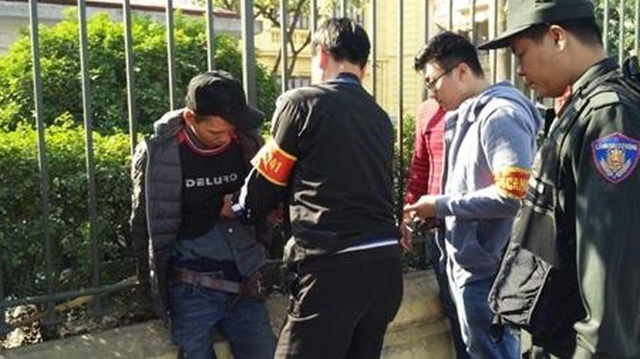 Đối tượng có 3 tiền án 'giắt' ma túy vào chỗ kín bị Cảnh sát 141 bắt giữ
