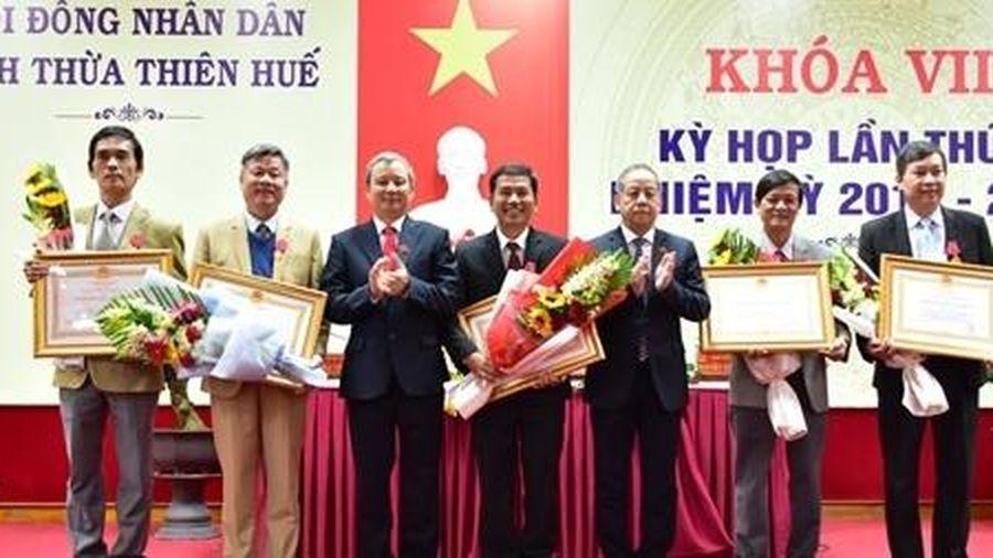 Nhiều cá nhân, tập thể của tỉnh Thừa Thiên Huế nhận Huân chương Lao động và Bằng khen