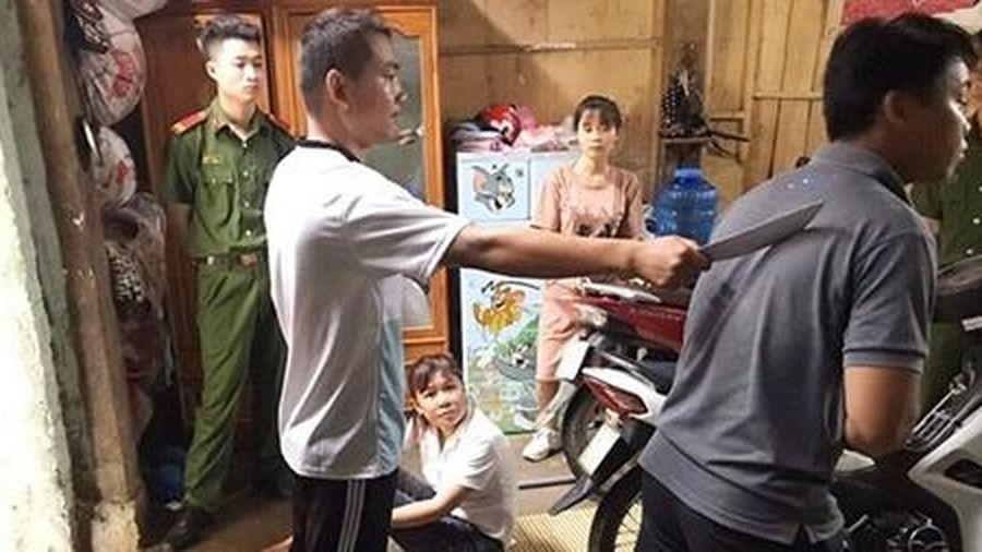 Gã đàn ông nước ngoài bị câm, điếc sang Việt Nam trả thù 'người tình'