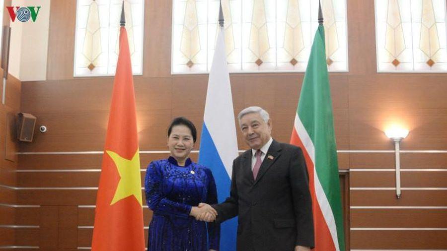 Chủ tịch Quốc hội gặp Chủ tịch Hội đồng Nhà nước Tatarstan