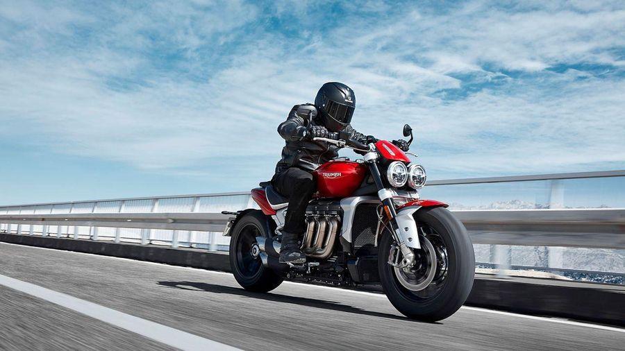 Triumph Rocket 3 2020 chốt giá từ 585 triệu đồng