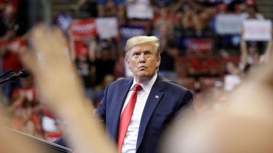 Trump tố đảng Dân chủ 'đổi luật chơi' khi thiếu bằng chứng luận tội