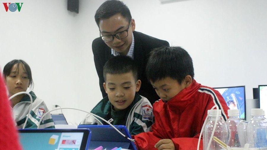 Học sinh Thái Nguyên được dùng máy cắt CNC, máy in 3D ngay tại trường