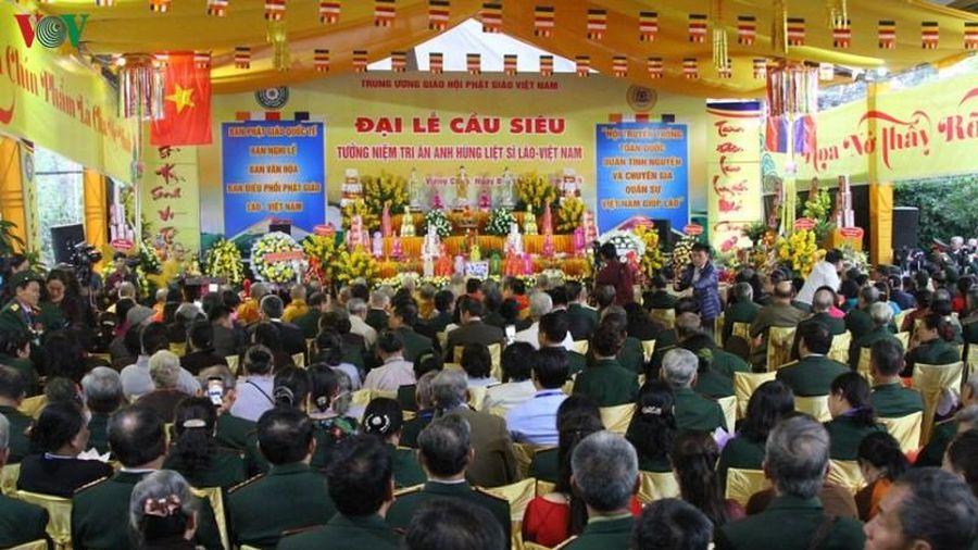 Đại lễ cầu siêu tưởng niệm quân tình nguyện Việt Nam hy sinh ở Lào