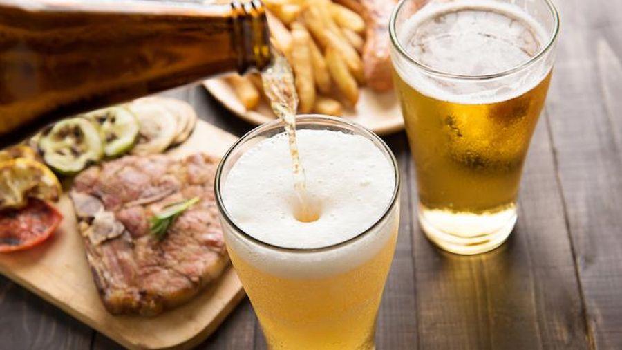Uống bia điều độ giúp tăng trí nhớ, kéo dài tuổi thọ
