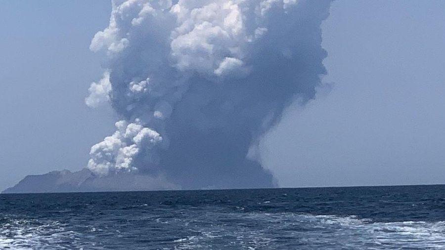 Núi lửa New Zealand đột ngột 'thức giấc', 5 người thiệt mạng