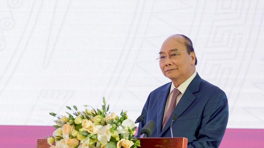 Thủ tướng: Thưởng mỗi nữ cầu thủ Việt Nam 100 triệu đồng