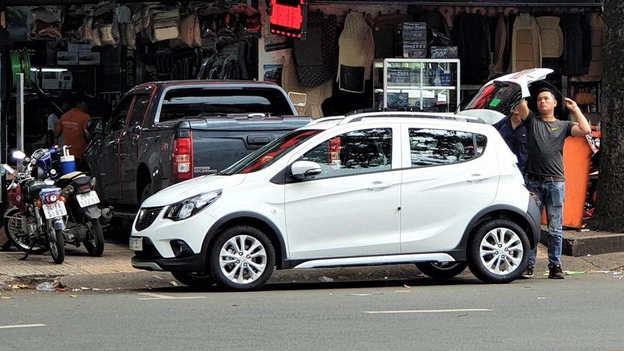 Phí đậu ôtô ở 3 quận trung tâm TP.HCM có tháng chỉ thu được 4 triệu