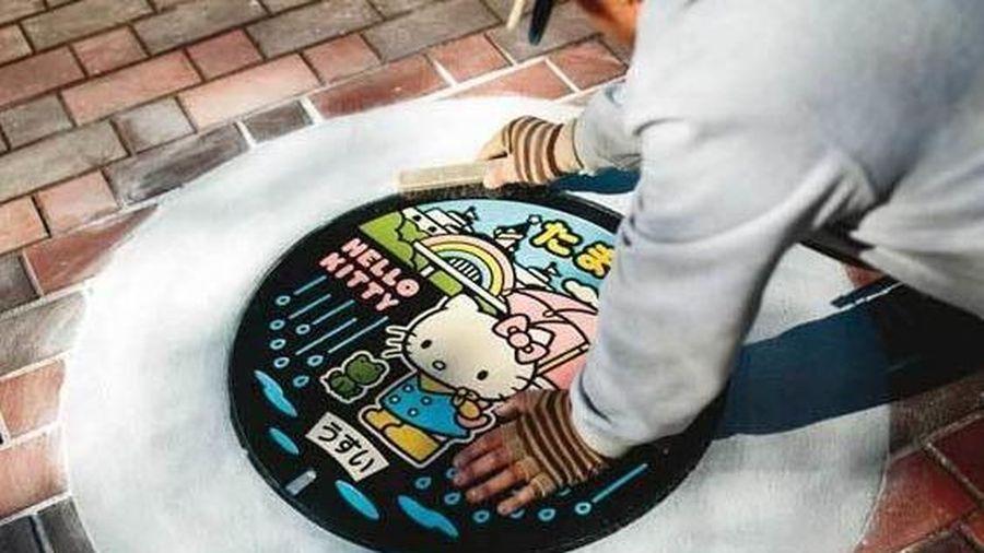 Cách người Nhật biến nắp cống thành bức tranh nghệ thuật
