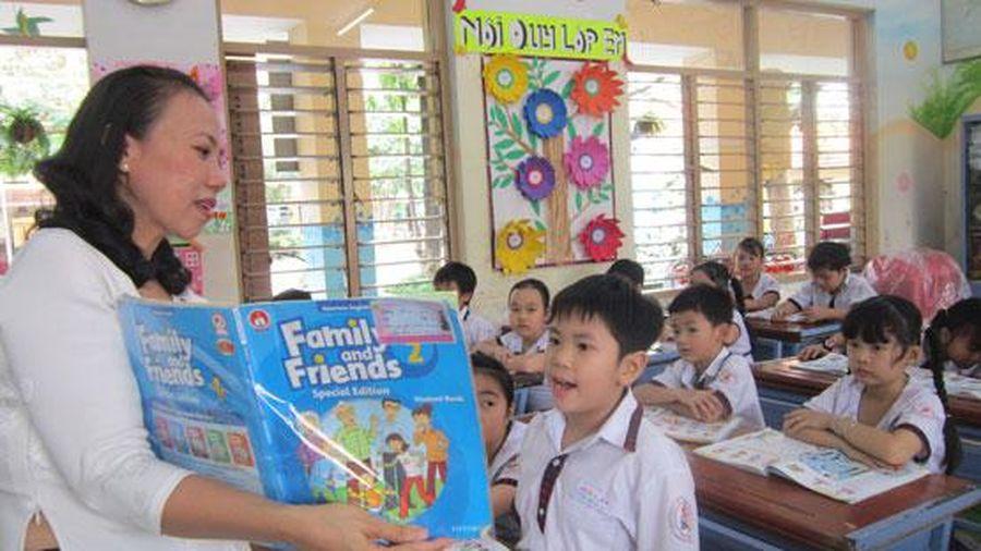 Bộ GD&ĐT chậm công bố sách giáo khoa tiếng Anh: Do vướng thủ tục pháp lý?