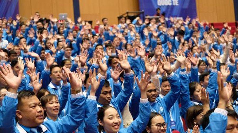 Đại hội đại biểu toàn quốc Hội LHTN Việt Nam lần thứ VIII: Rực rỡ sắc màu 54 dân tộc anh em