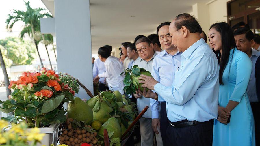 CHÙM ẢNH: Thủ tướng đối thoại với nông dân