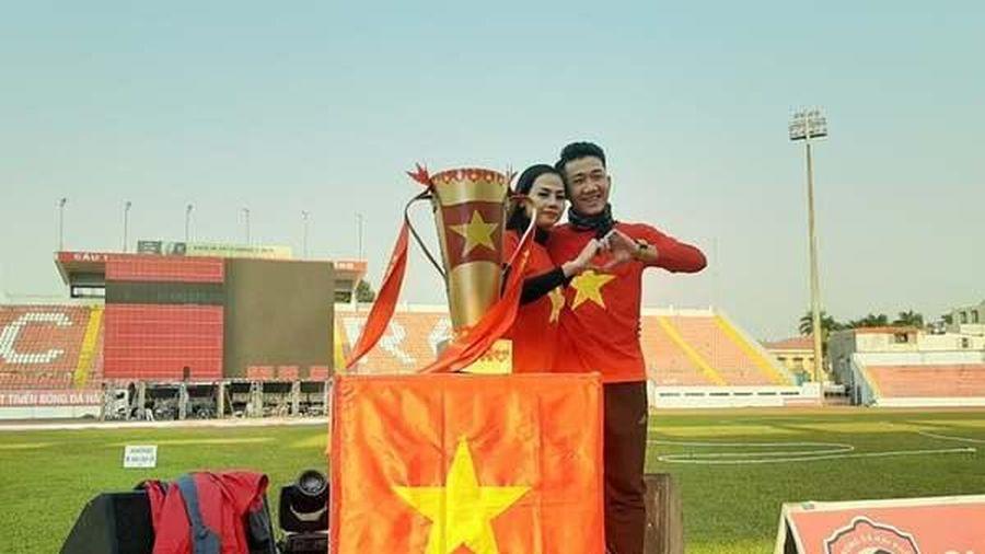Bắc rạp dọn cỗ, màn hình lớn, người Hải Phòng cổ vũ U22 Việt Nam