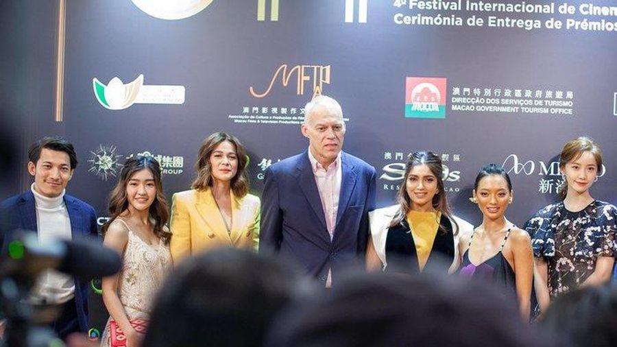 Yoona (SNSD) - Liêm Bỉnh Phát 'tay bắt mặt mừng' tại 'LHP quốc tế Macao 2019'