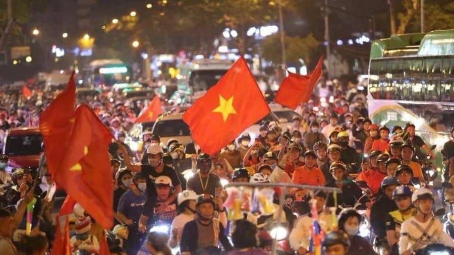 Phó Thủ tướng chỉ đạo 'nóng' đảm bảo ATGT sau chức vô địch của U22 Việt Nam
