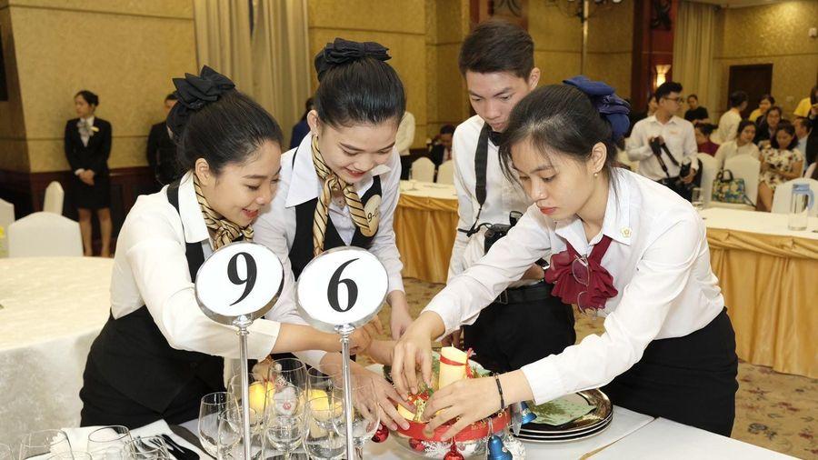 Trao 110 triệu đồng cho thí sinh, đội thi đạt giải Hội thi nghiệp vụ nhà hàng TPHCM năm 2019