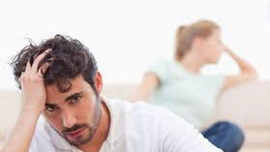 Lo bạn trai bị yếu sinh lý khi yêu đã không mà không thấy 'đòi hỏi'