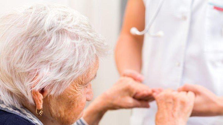Người Việt mất 10 năm ốm đau, bệnh tật khi về già